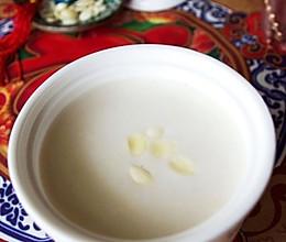 美白嫩肤杏仁茶的做法