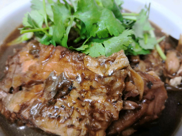 酱焖鱼的做法
