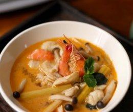知食力菜谱——泰式酸辣海鲜汤(冬阴功)的做法