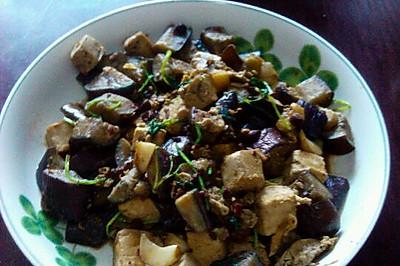 自主研发创新菜——豆腐闷紫茄