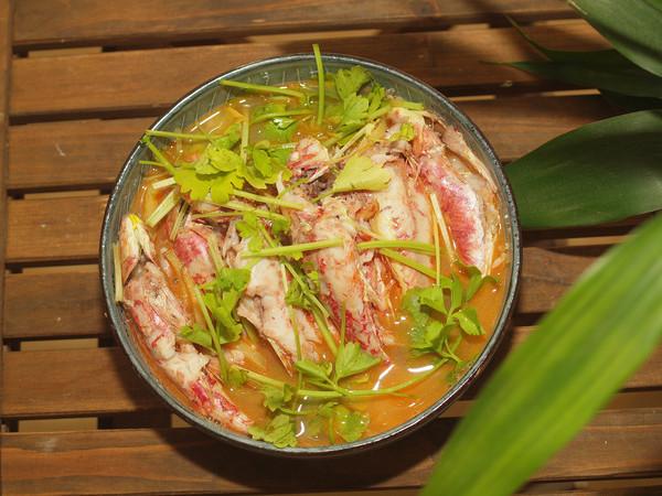 姜丝煮小红鱼的做法