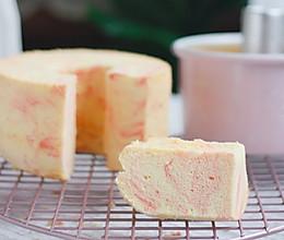 大米蛋糕:草莓大理石大米戚风的做法