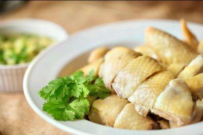 粤式白切鸡(粤菜师傅的做法)