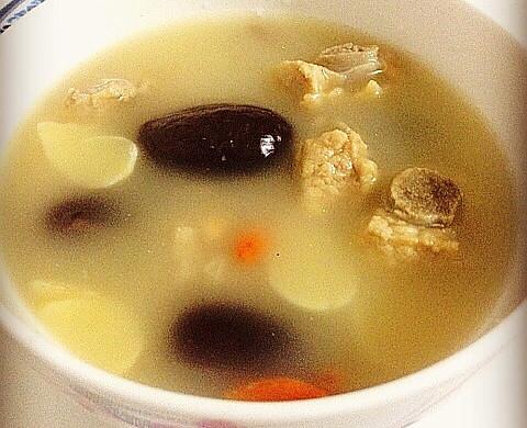 百合红枣花生炖排骨——补血安神去燥润肺靓汤