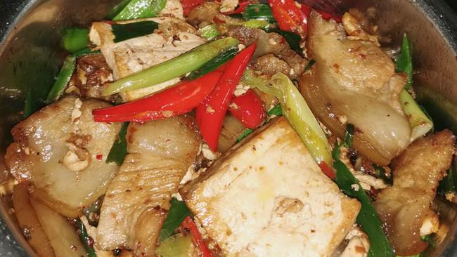 香煎豆腐蒜苗回锅肉的做法