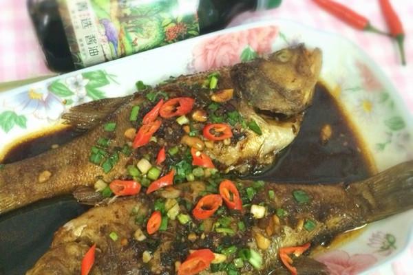 试用之香辣鲈鱼#菁选酱油#的做法