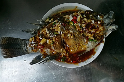 蒜爆罗菲鱼