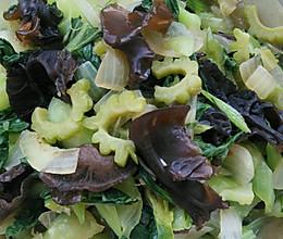 菜心洋葱炖苦瓜的做法