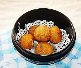 #元宵节美食大赏#快手早餐,黑芝麻馅炸元宵的做法