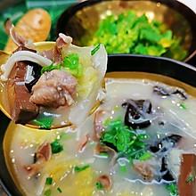 #快手又营养,我家的冬日必备菜品#鸭血粉丝汤蜜桃爱营养师私厨