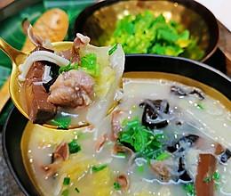 #快手又营养,我家的冬日必备菜品#鸭血粉丝汤蜜桃爱营养师私厨的做法