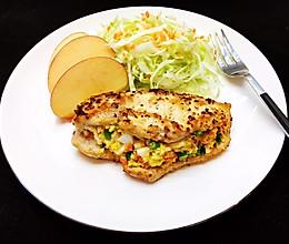 #美食视频挑战赛#鸡胸肉沙拉卷的做法