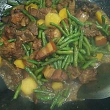 红烧排骨炖土豆豆角又名乱炖