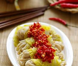 清淡食材的滋味吃法 —— 清鲜不上火的剁椒金针卷的做法
