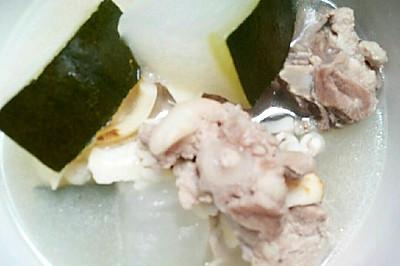 薏米百合猪尾冬瓜汤