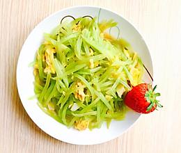 5分钟快手营养菜:既清爽又健康的莴笋丝炒蛋的做法