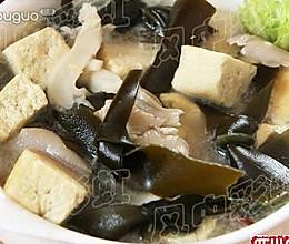 冬季的营养素汤:海带豆腐汤的做法