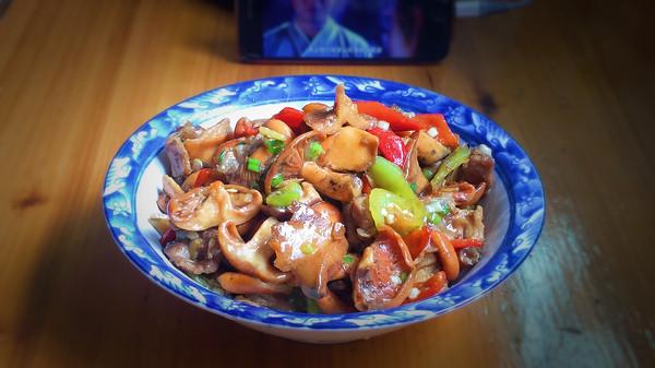湘西特色—枞菌炒肉的做法