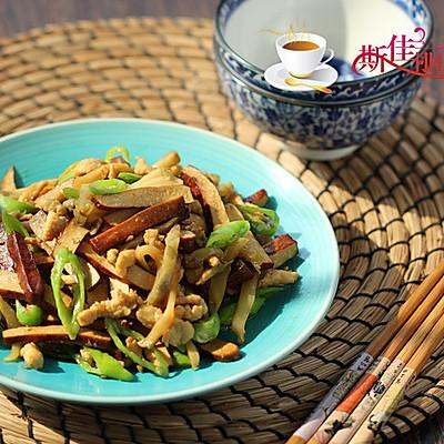 杭椒干子榨菜炒鸡丝