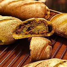 红豆肉松抹茶面包