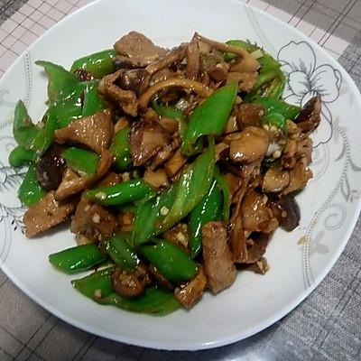 尖椒香菇炒肉
