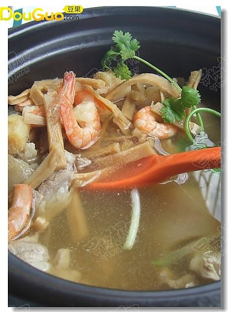 笋干海鲜汤的做法