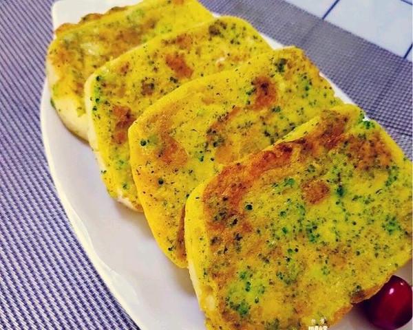 煎时蔬鸡蛋馒头片 煎蛋液馒头10分钟快手早餐适合月龄12+的做法