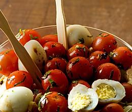 又萌又营养的樱桃番茄配鹌鹑蛋——大红胖红和蛋的故事的做法