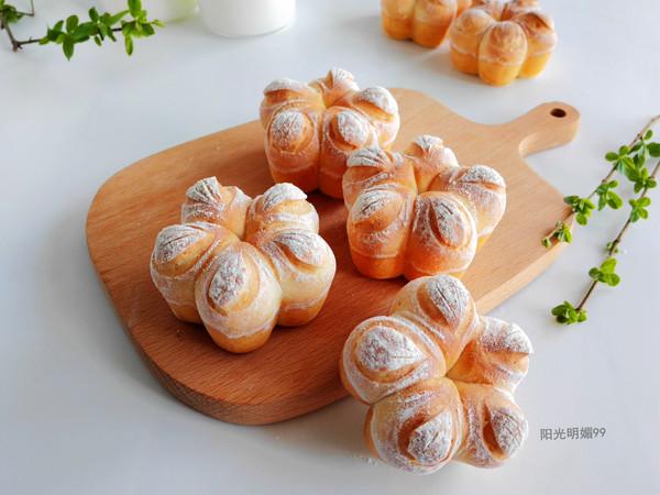 花朵小面包