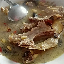 香菇枸杞老鸭汤