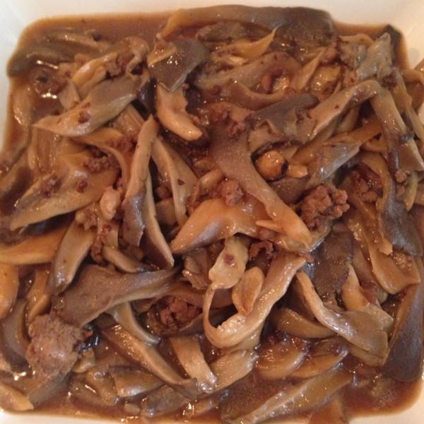 平菇炒肉末的做法