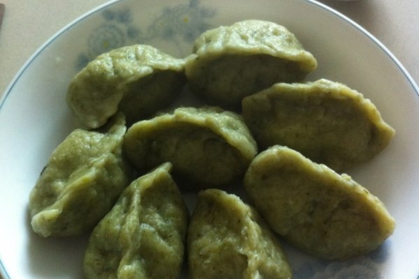 芹菜牛羊肉蔬菜饺的做法