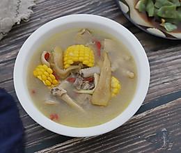 #洗手做羹汤#竹荪玉米土鸡汤的做法