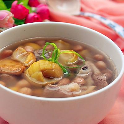 筒骨板栗煲汤