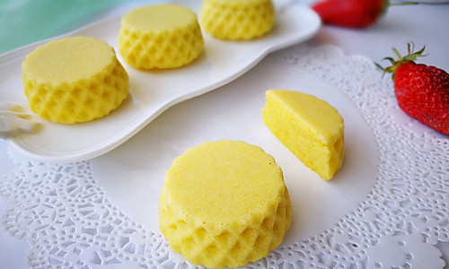 玉米面蒸蛋糕#发现粗粮之美#的做法