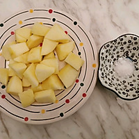 简单的甜品冰糖苹果汤的做法图解3