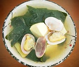 裙带菜蛤蜊豆腐汤的做法