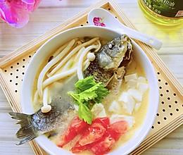 #白色情人节限定美味#鲫鱼豆腐汤的做法