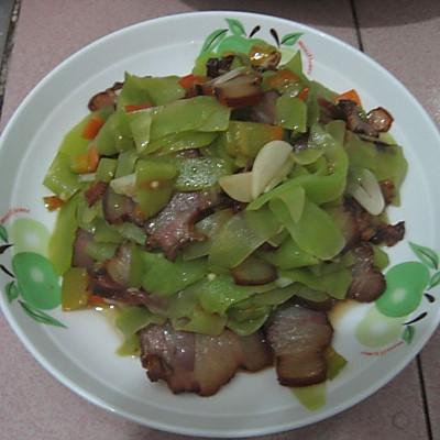 【猫记私房菜】开胃莴笋炒腊肉 久别湘西的味道
