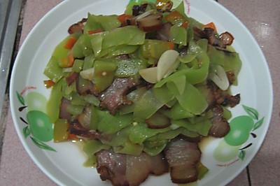 【貓記私房菜】開胃萵筍炒臘肉 久別湘西的味道
