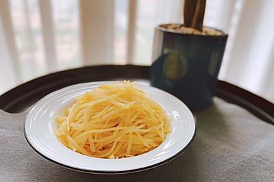 清炒土豆丝—香脆又可口