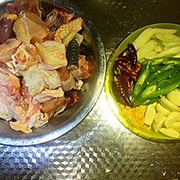 爽爆味蕾之藤椒地锅鸡的做法图解1
