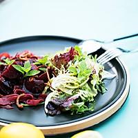 不时不食 |  吃了这份虫草花沙拉等于请了一个营养师