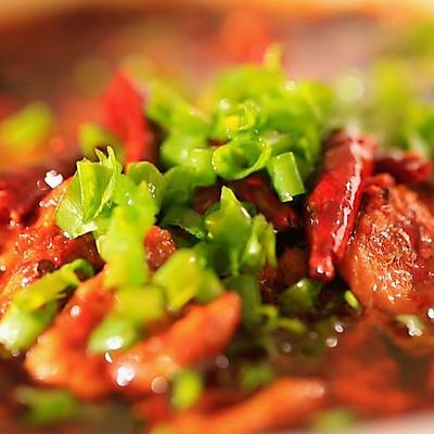 水煮肉片:辣椒的盛宴