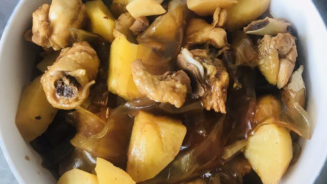 土豆粉皮鸡腿的做法