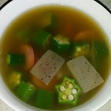 香肠秋葵魔芋汤(营养&减脂&靓汤&老少皆宜)
