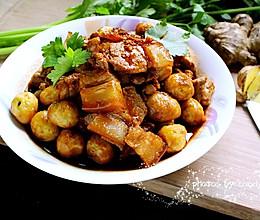 虎皮鹌鹑蛋烧肉的做法