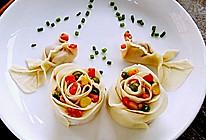 李孃孃爱厨房之—— 玫瑰花、金鱼饺子(饺子皮版)的做法