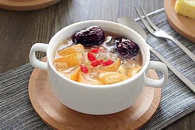 红枣雪梨银耳汤