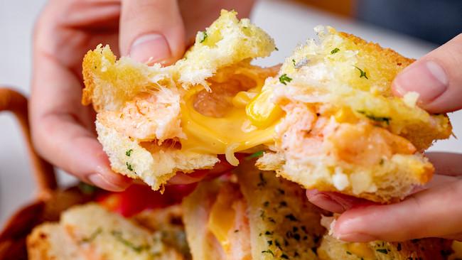 五一追剧小点心【蒜香面包虾】,香酥会爆浆!的做法